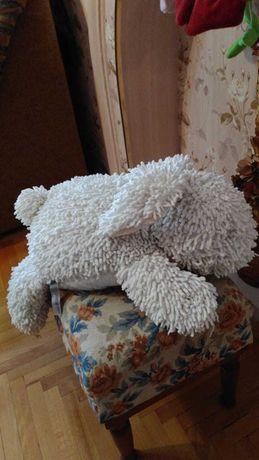 Продаётся игрушка белый заец