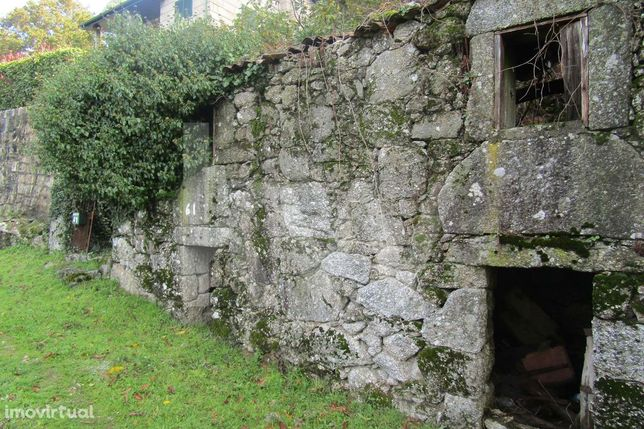 Ruína toda em pedra, situada em pleno Parque Nacional Peneda Gerês