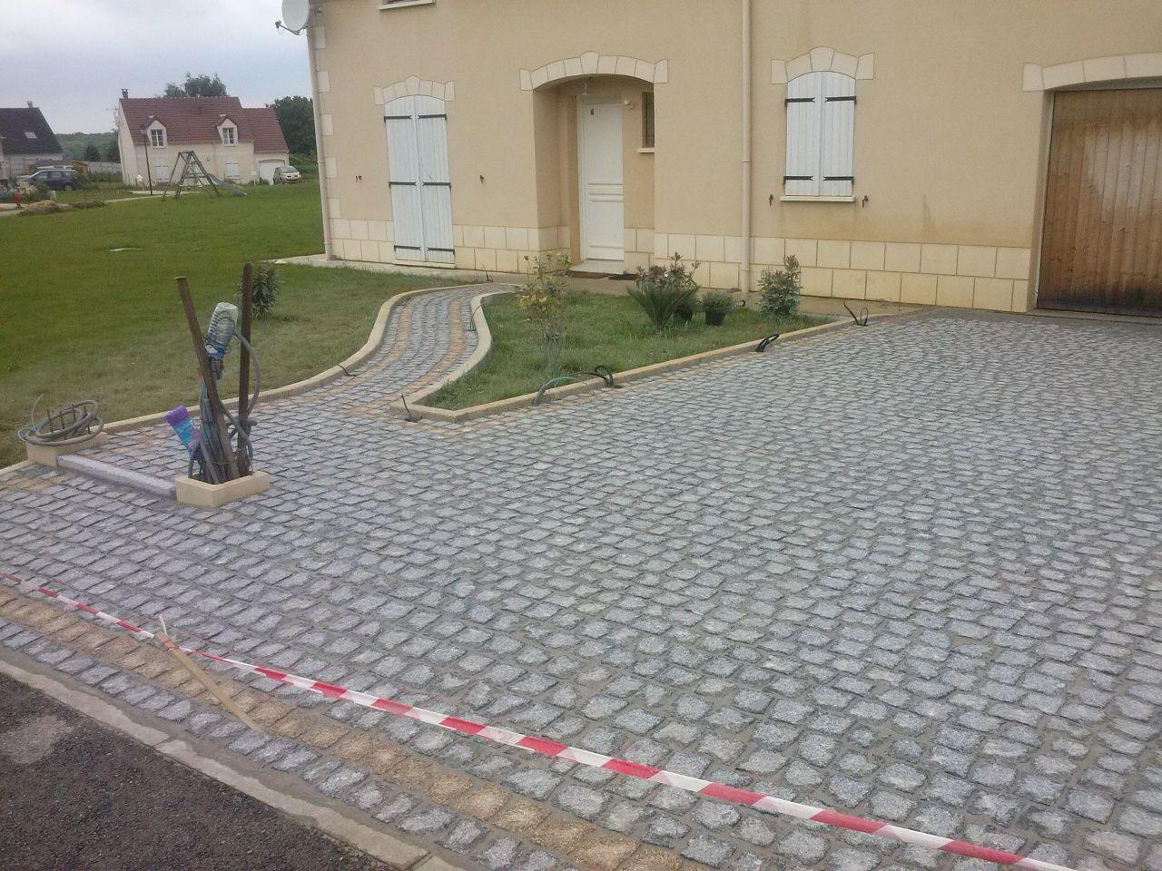 Executo trabalhos de calceteiro em Portugal e no estrangeiro
