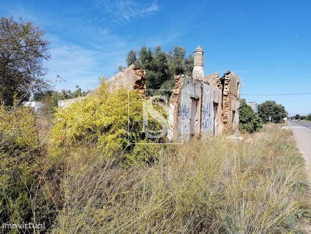 Moradia para restaurar c/terreno Luz de Tavira