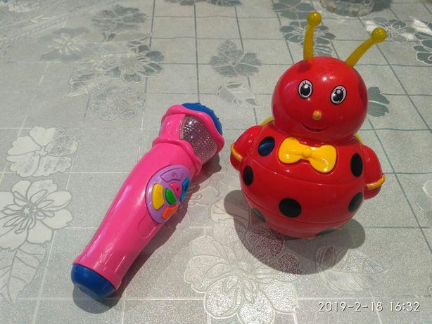 Неваляшка, микрофон, игрушки для купания