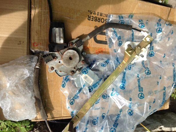 Стекло подъёмники Джили СК-2 задние