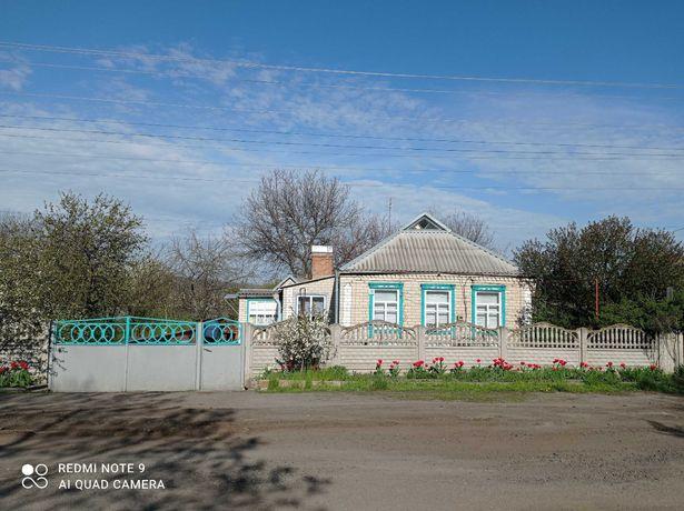 Продам дом пгт. Юрьевка Юрьевский р-н