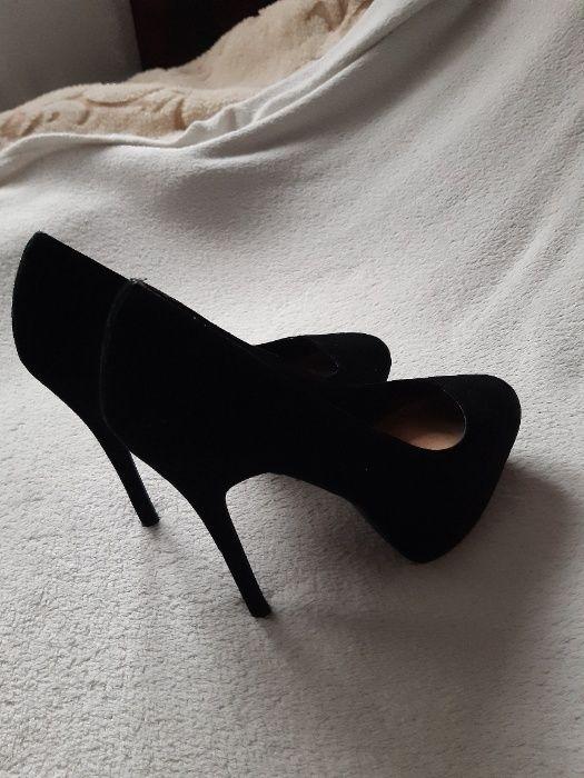 Buty, szpilki czarne, zamszowe, dwa razy użyte Warszawa - image 1