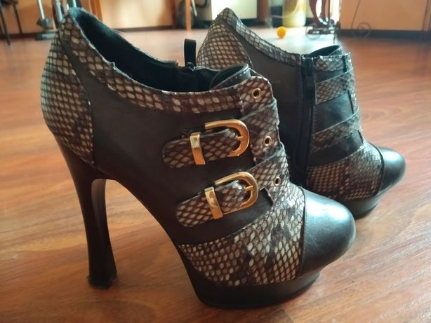 Ботинки женские , на каблуке