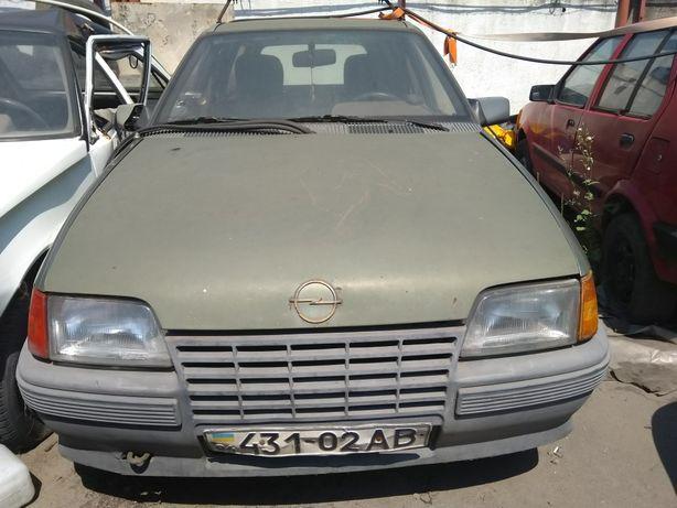 Продам Opel Kadett 1986г. 1.6 дизель