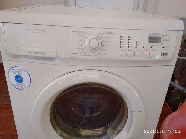 Máquina de lavar e secar roupa Electrolux