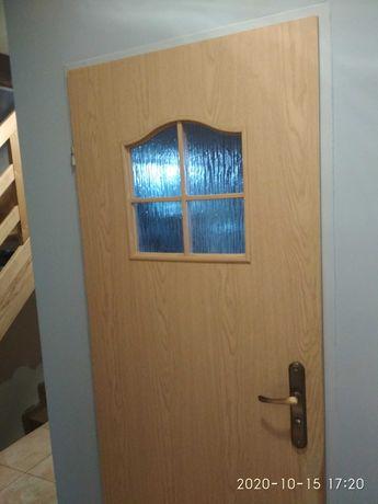 Drzwi łazienkowe lewe 70 z szybą