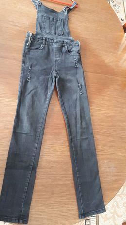 Комбінезон джинсовий, на 10 - 12 років
