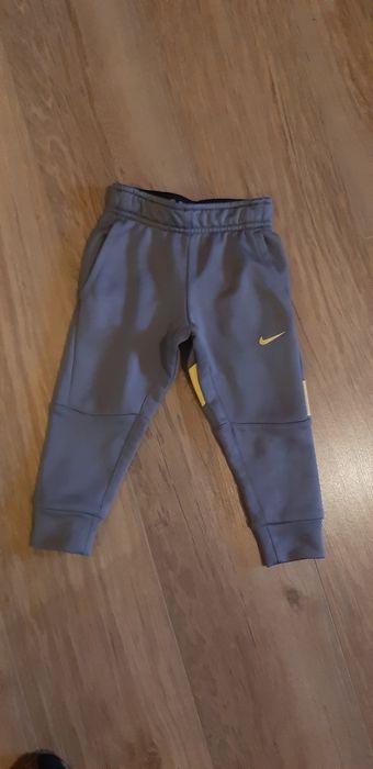 Spodnie dla chłopca Nike 86-92 cm Dzierżoniów - image 1