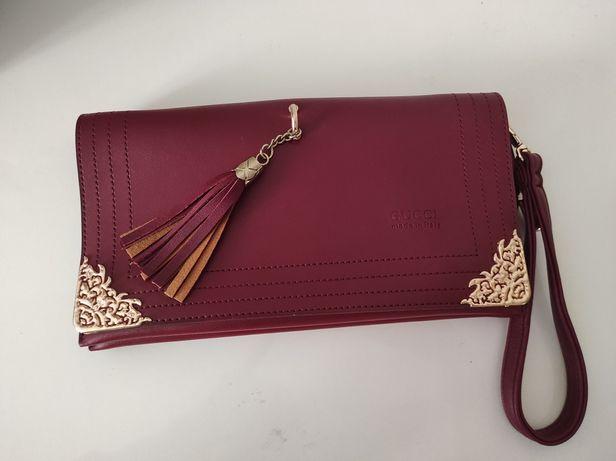 Gucci сумочка клатч красная