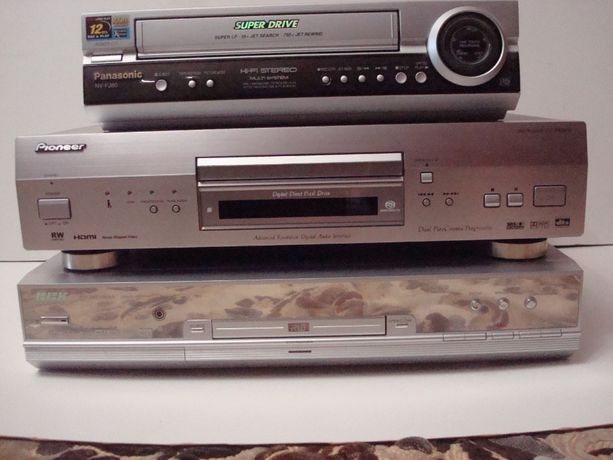 PIONEER Player DV-868 AVI/ BBK-DVD Recorder-DW9915S/Panasonic-NVFJ 180