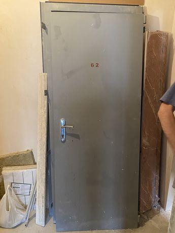 Новые двери с новостроя