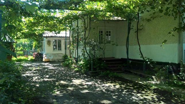 Переезжаем и СРОЧНО продаем дом в с.Белки! Во дворе два жилых дома!
