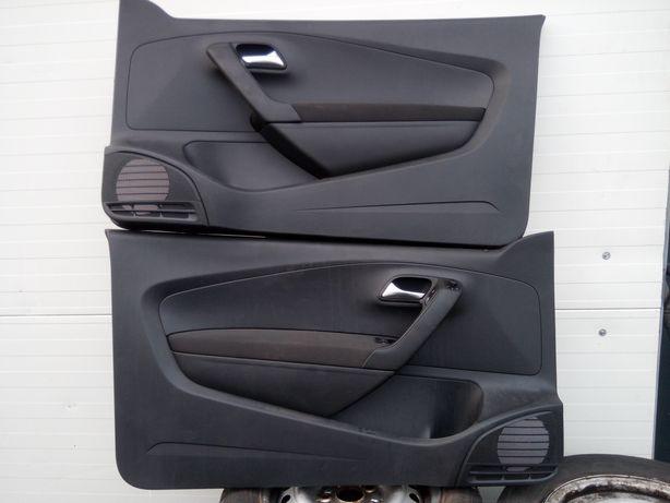 VW Polo 6R 3d - Boczki Tapicerka drzwi L+P kpl. EUR