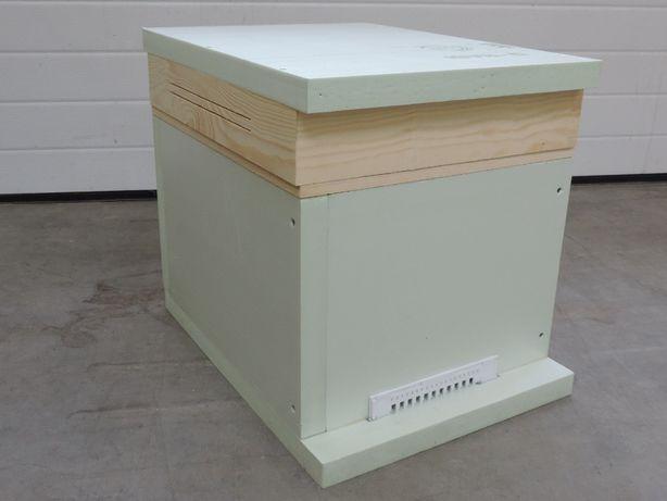 Ul odkładowy 8 ramkowy wielkopolski z podkarmiaczką, pszczoły