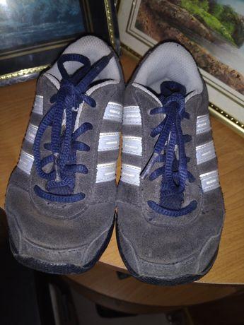 Кроссовки, туфли на мальчика фирменные Adidas