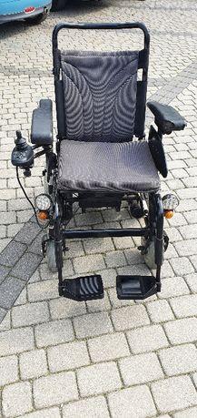 Wózek elektryczny dla osoby niepełnosprawnej