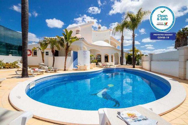 V6 (12pax) Santa Eulália com piscina privada Agosto