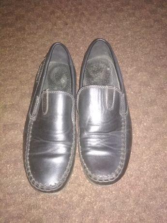 Продам туфлі дитячі