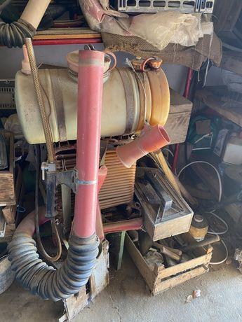 Duas maquinas de sulfatar a motor Casal