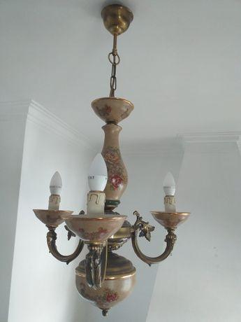 Candeeiro de tecto em porcelana e latão