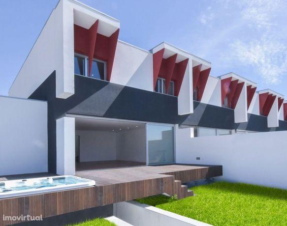 Moradias T3 Novas Condomínio fechado Madalena /100% financiado