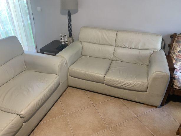 2 sofás cinzentos