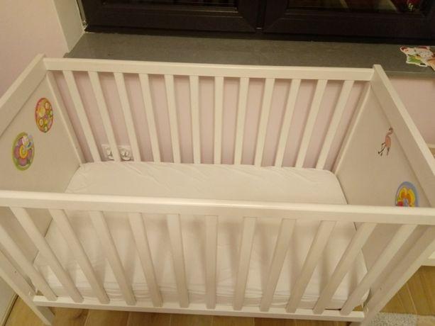 Łóżko dziecięce. Łóżeczko niemowlęce 120x60 wraz z materacem.