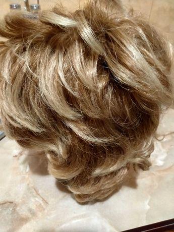 Женский парик. Цвет благородная седина.