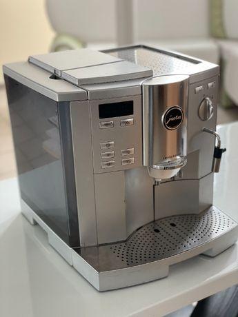 Ароматна кава з кавоваркою Jura impressa