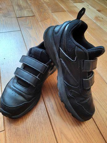 Шкіряні кросівки на липучках Reebok 32-33р