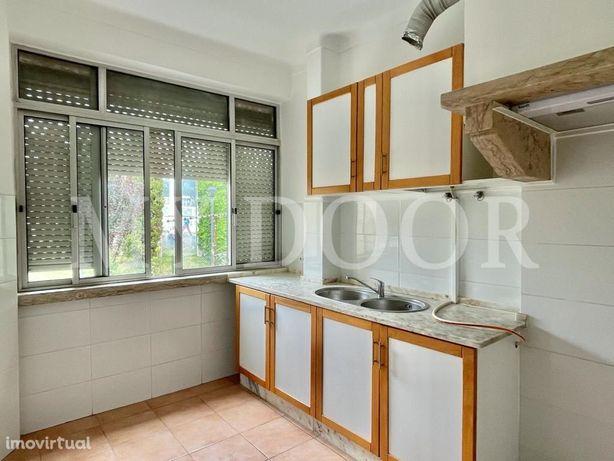 Apartamento T1 - Moscavide - 2º Andar - Central
