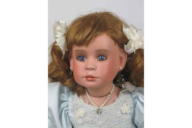 Sprzedam piękną lalkę bobas porcelanową 68cm (kolekcjonerska)