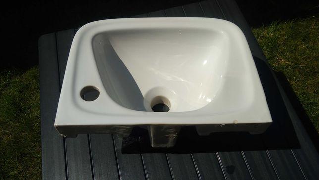 Mała umywalka WC