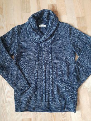 Sprzedam sweter młodzieżowy