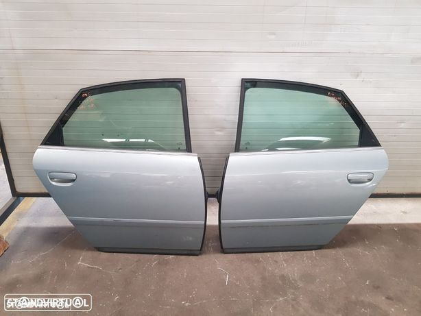 Porta Traseira Direita Audi A6 C5 - Carro /  Sedan