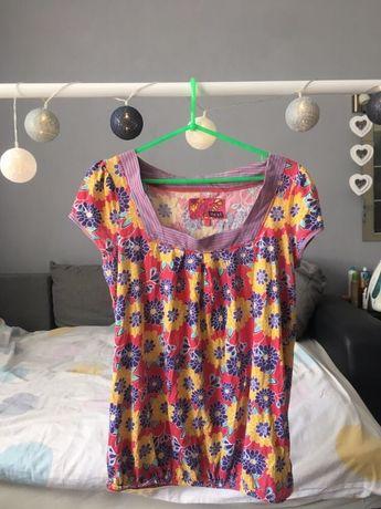 Kolorowy t-shirt w kwiatki vintage