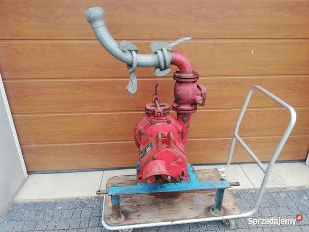 Pompa wody na wom do ciągnika