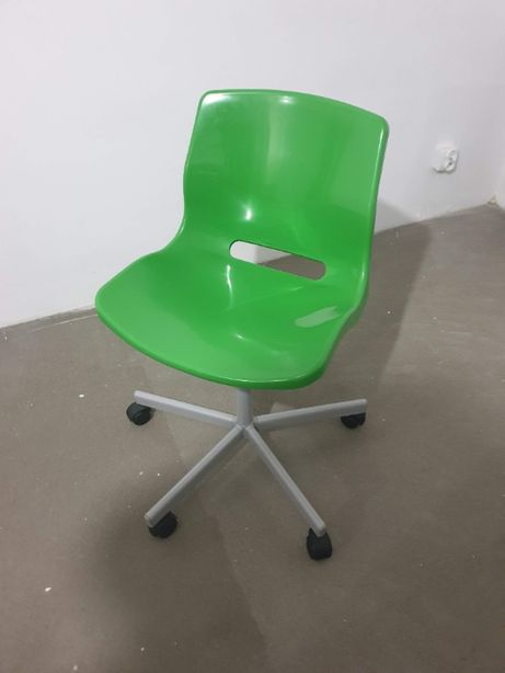 Krzesło obrotowe na kółkach - zielone