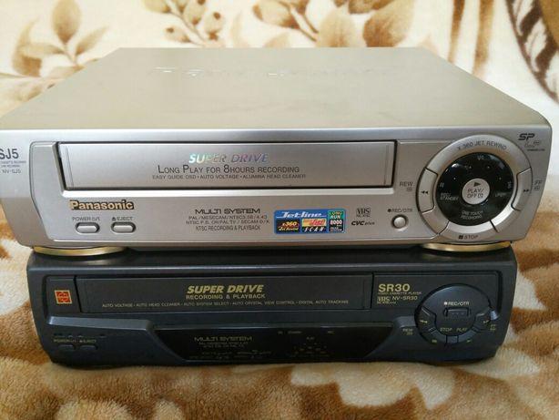 Видеомагнитофоны Panasonic с кассетами