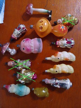 В продаже новогодние ёлочные игрушки
