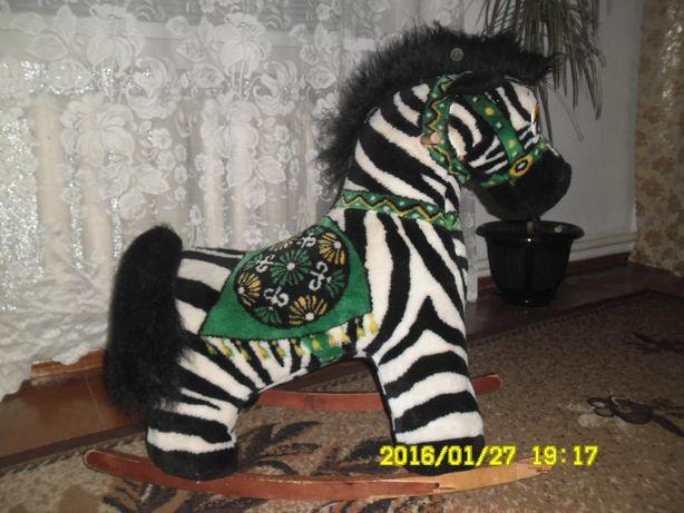 Продам детскую лошадку качалка-зебра