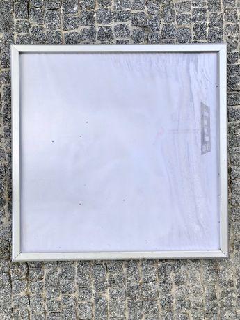 Moldura em alumínio para colocar publicidade