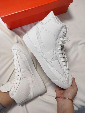 Женские кроссовки Nike Blaze Mid 77