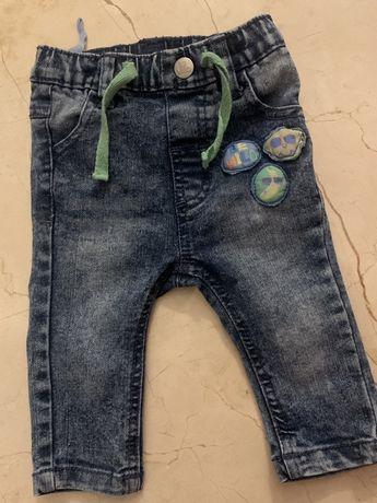 Spodnie Jeansy 62 68 unisex nowe bdb