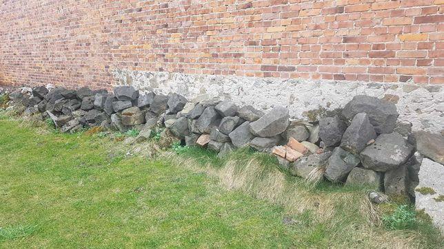 Sprzedam tanio kamień budowlany