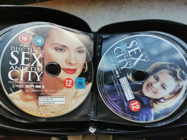 """DVD """"Sexo e a Cidade"""" série completa"""