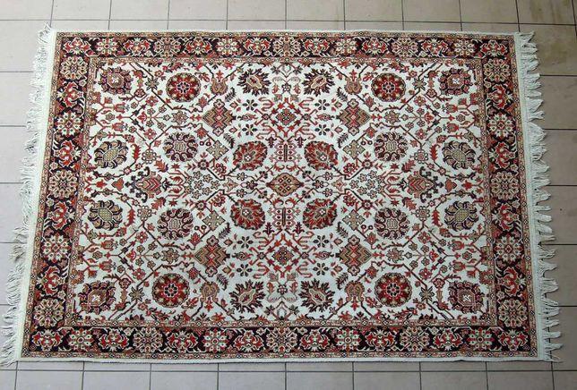 Stary dywan z czasów PRL 168 cm x 237 cm, mało używany