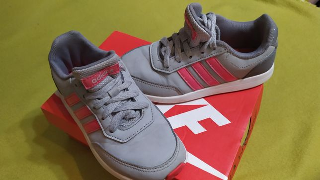 Adidas 17,8cm /30 dla dziewczynki bdb stan wysyłka